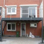 composiet terras + trap aan woning